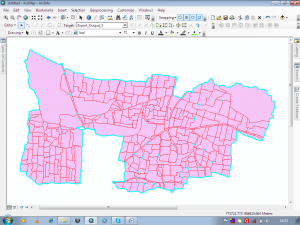 remove gaps from a polygon layer file in ArcGIS